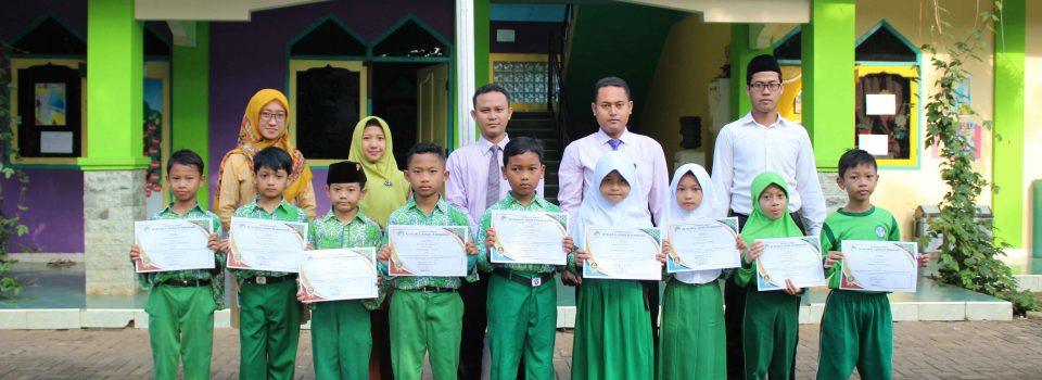 The Best and The Most Diligent Student of the Month February 2020 kelas 3 dan 4 SD Islam Al Azhar 29 BSB Semarang